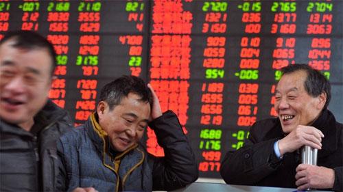 Эйфория. Китайский регулятор ускоряет регистрацию новых IPO, чтобы сбить ажиотажный спрос на акции со стороны частных китайских инвесторов.