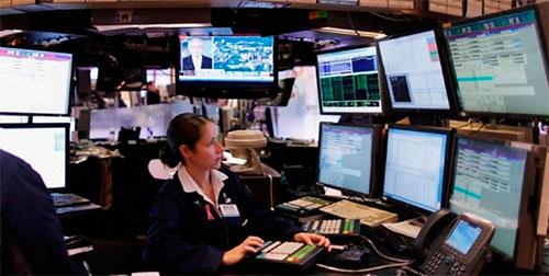 Деввушки на фондовй бирже.