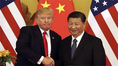 Трамп вводит новые тарифы против китиайских товаров.